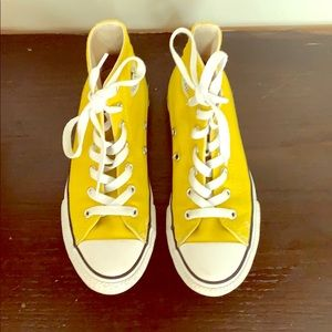 Converse all-star chuck Taylor yellow Kids size 2.